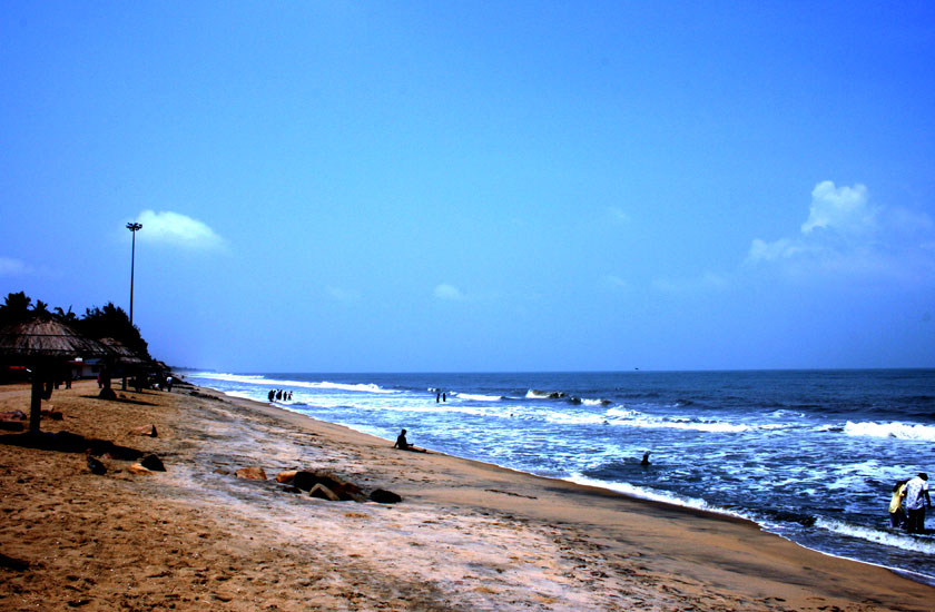 http://www.keralatour.co/images/media/media_images/1372766913_0Cherai_Beach.jpg
