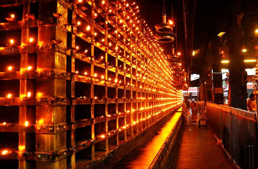 http://www.keralatour.co/images/media/media_images/6571-dubai-banner1.jpg