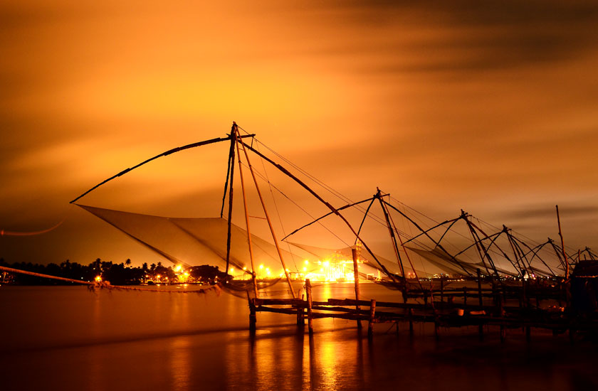 http://www.keralatour.co/images/media/media_images/kochi1.jpg