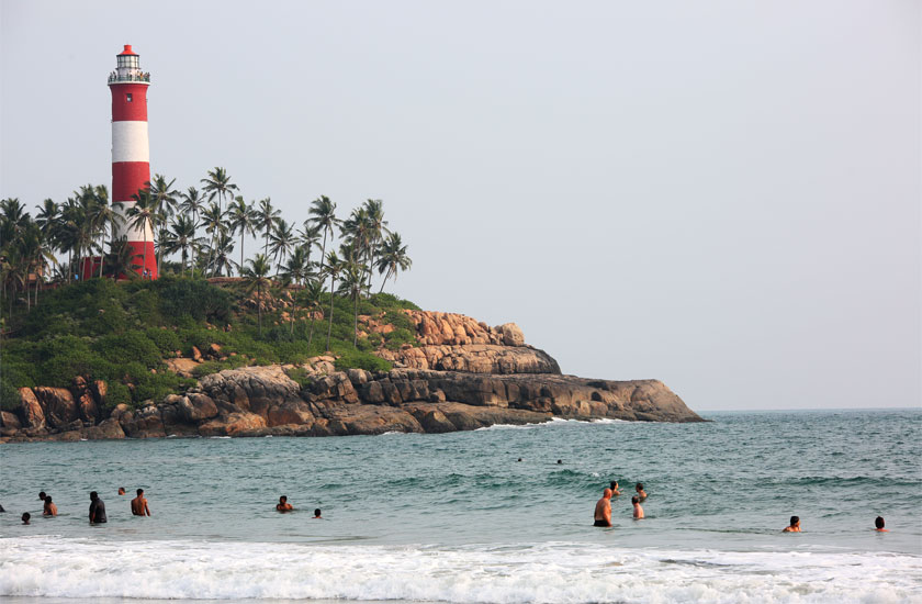 http://www.keralatour.co/images/media/media_images/kovalom.jpg