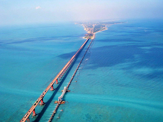 http://www.keralatour.co/images/media/media_images/rameswaram11111111.jpg